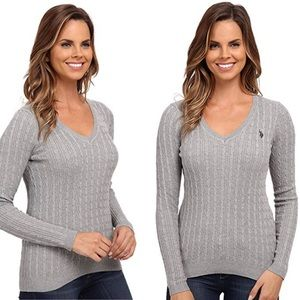Cable knit v-neck pullover